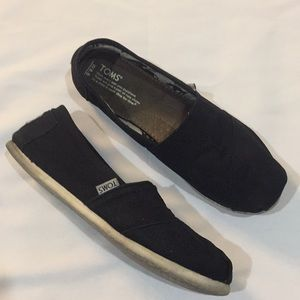 TOMS black flats size 8.5